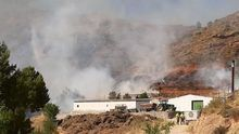 Ocho medios aéreos trabajan en la extinción de un incendio en Casas Bajas y otros tres en uno en Náquera
