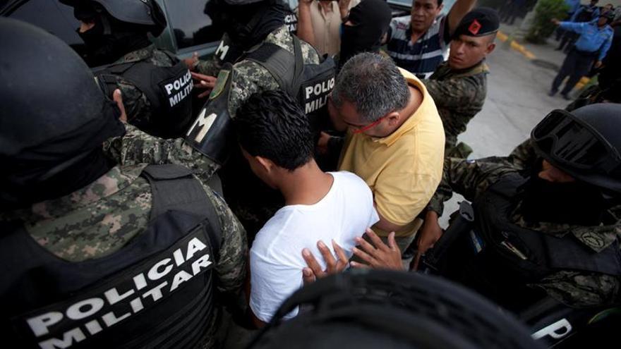 Dispersan una manifestación en apoyo a Berta Cáceres frente a la Presidencia de Honduras