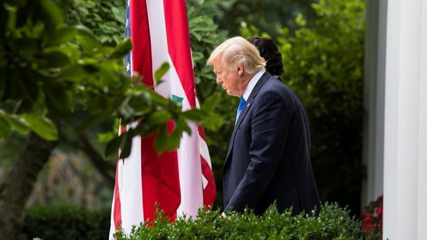 """La Casa Blanca dice que """"pronto"""" habrá una decisión sobre el futuro del fiscal general"""