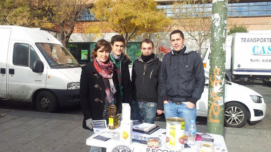 Primera semana de recogida de la Despensa Solidaria de RSP Centro-Arganzuela (diciembre 2013).