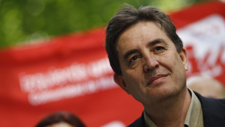 """García Montero acusa a dirigentes de IU de """"engañar a la militancia"""" tras alcanzar un """"pacto por arriba"""" con Podemos"""