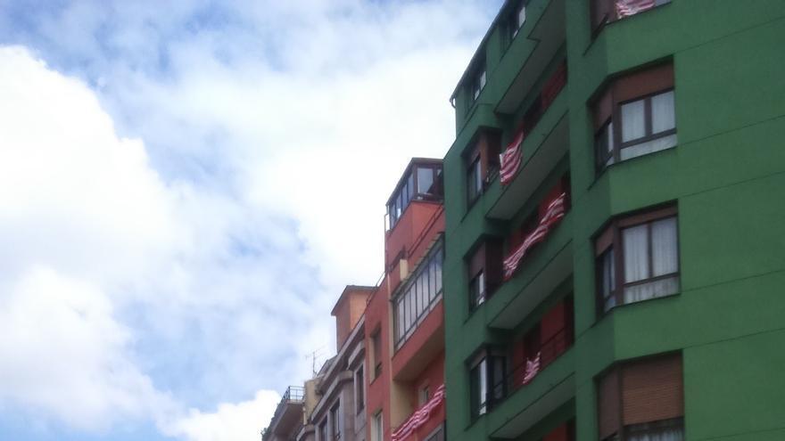 Herida tras ser atropellada por un taxi en el centro de Bilbao