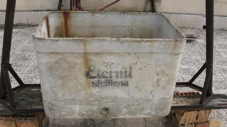 Amianto un peligro real y sin cuantificar en casas for Tanques de agua eternit