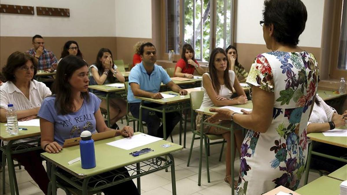 Foto de archivo de unas oposiciones de Educación