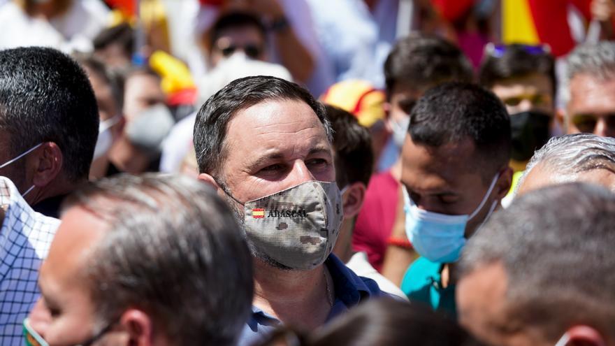 El líder de Vox, Santiago Abascal, participa en una concentración contra los indultos a los presos del 'procés', en la Plaza de Colón
