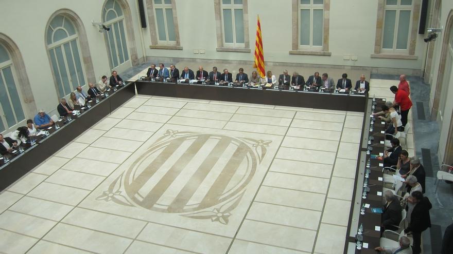Puigdemont convoca la Cumbre del Referéndum para el martes 23 de diciembre