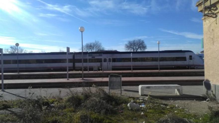 Tren descarrilado en Torrijos  / Europa Press