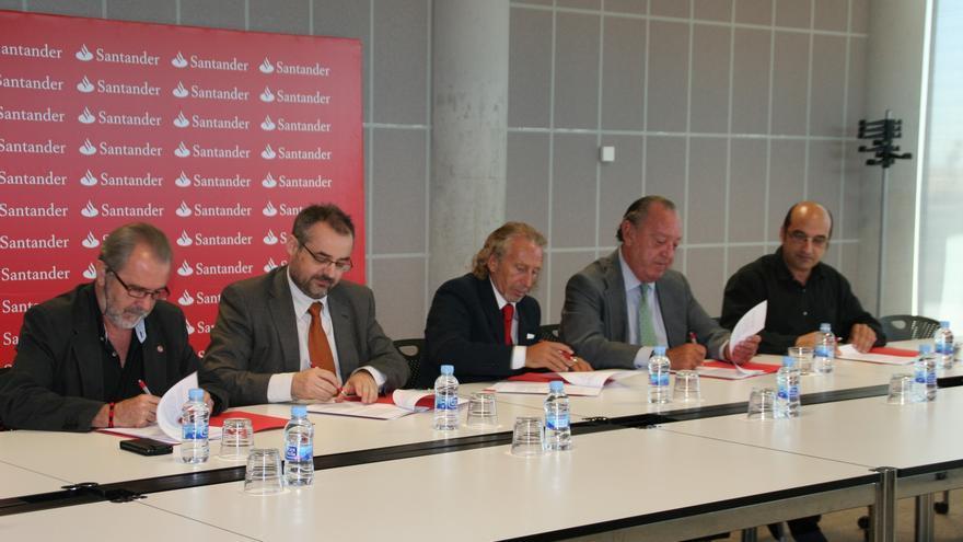 Santander acuerda externalizar los compromisos de pensiones de más de 4.000 empleados