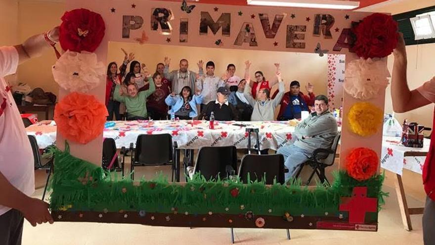 El proyecto dio comienzo el pasado 8 de abril con la primera actividad llamada 'Bienvenida en Primavera'. Foto: Cruz Roja.