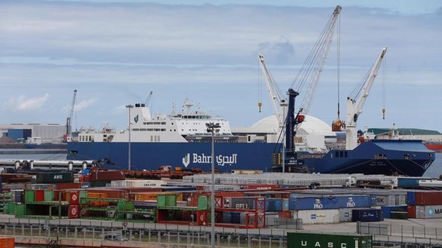 Fallece un estibador tras caer desde una grúa al muelle del Puerto de Bilbao