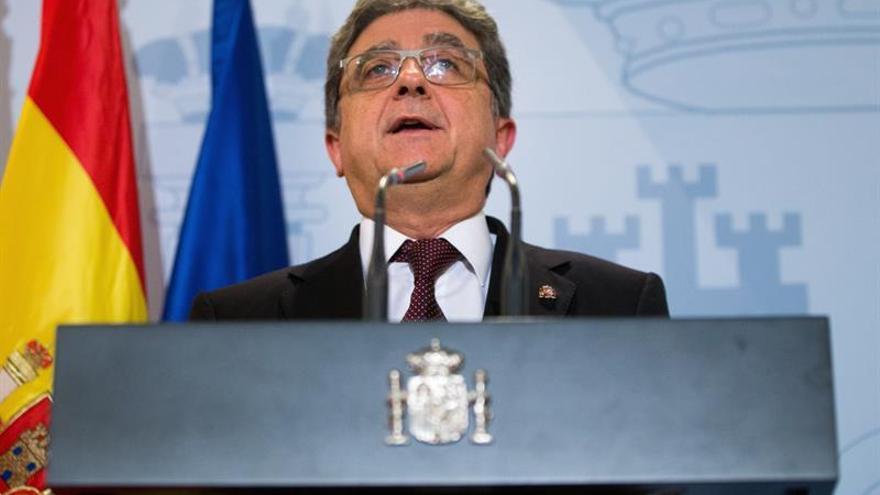 Millo pide a Puigdemont que corrija, regrese y asuma su responsabilidad