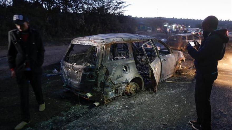 Al menos 40 muertos en la explosión de un camión cisterna en Kenia
