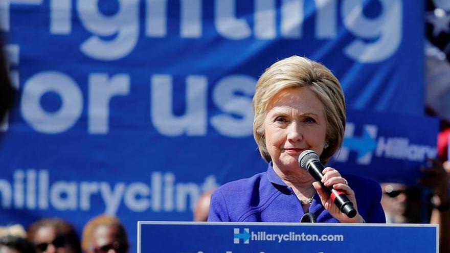 Clinton usó varios servidores privados de correo como secretaria de Estado