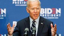 El candidato demócrata Joe Biden ayudó a crear el problema de deuda estudiantil que ahora promete solucionar