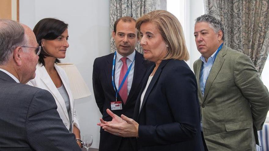 """Báñez pide a los grupos políticos """"grandes consensos"""" para el futuro de las pensiones"""