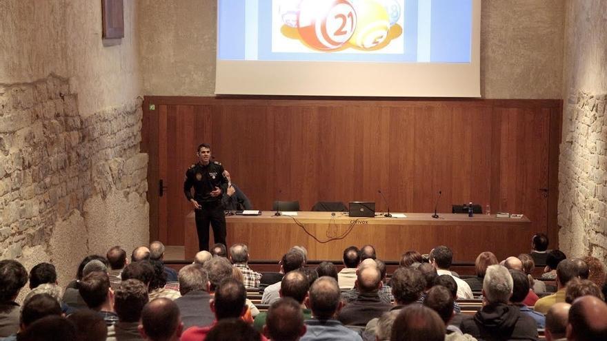 Policías municipales de Pamplona participan en una jornada formativa sobre mediación