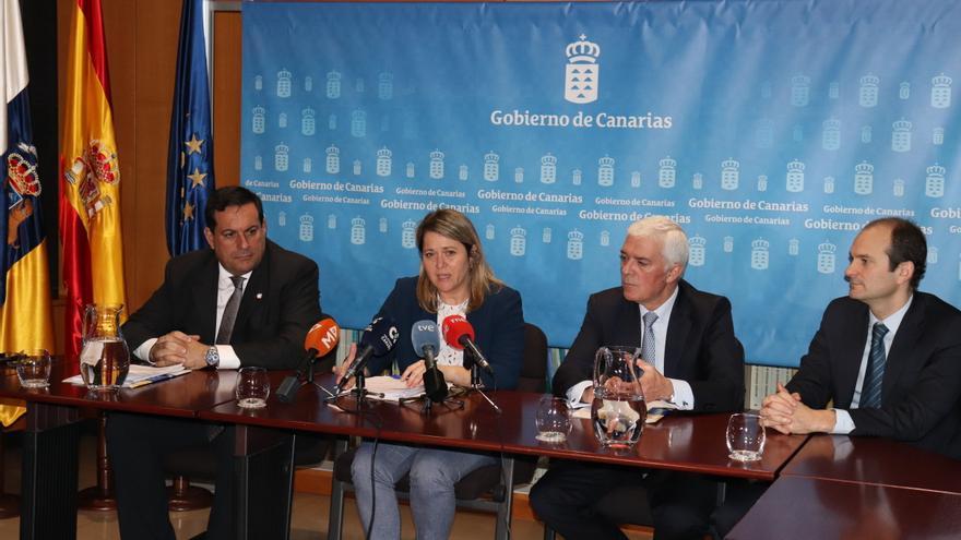 La Consejería de Agricultura, Ganadería y Pesca del Gobierno de Canarias y la entidad Agroseguros han suscrito este viernes el convenio anual por el que el ejecutivo subvenciona parte de la prima a los agricultores.
