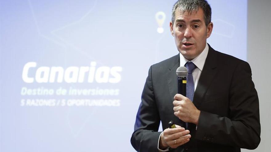 """El presidente del Gobierno de Canarias, Fernando Clavijo, en la jornada """"Canarias, destino de inversiones"""", organizada por PwC y Esade. EFE/Chema Moya"""