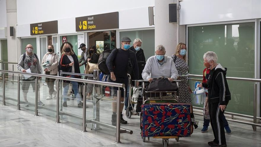 Turismo de Canarias destina casi un millón de euros a incentivar a las aerolíneas para que recuperen sus rutas con las islas