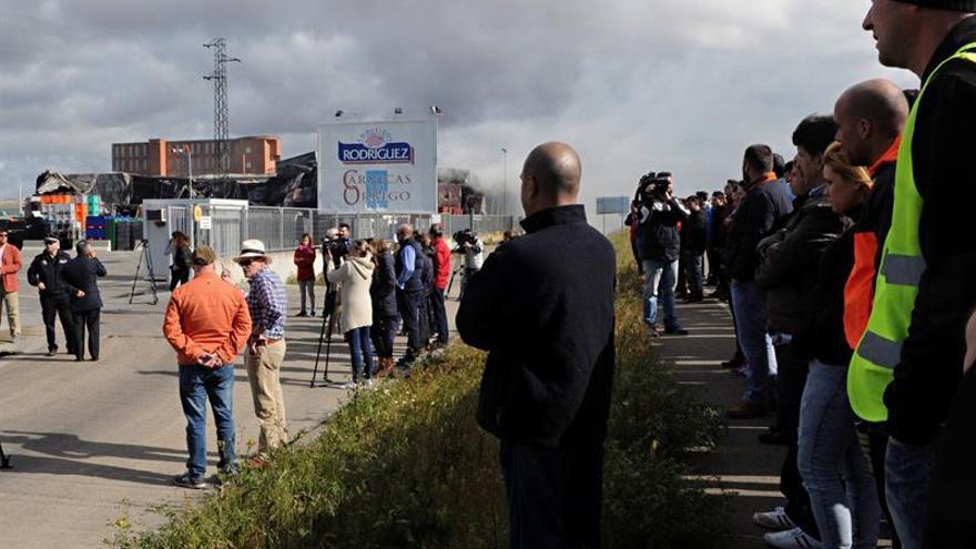 Investigación apunta a fuego fortuito el de Embutidos Rodríguez, según la Delegación de León