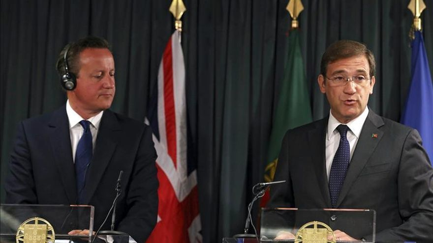 """Cameron anuncia que """"haremos más"""" para atajar la crisis de los refugiados"""