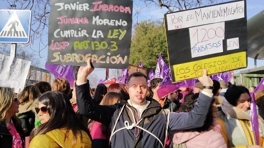 """CCOO Enseñanza cifra """"en más de un 90%"""" la participación en la huelga de PTIS y personal de lengua de signos"""