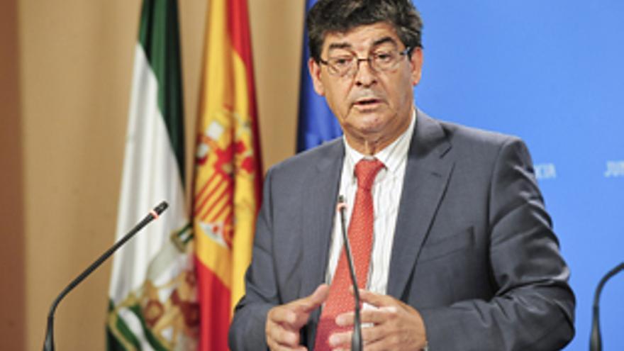 Diego Valderas tras el Consejo de Gobierno.