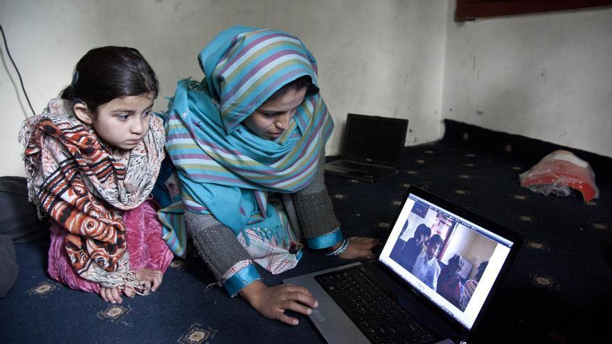 Aniqa Bano, en su escuela en el norte de Paquistán.