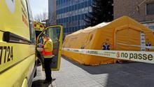 """Los trabajadores de emergencias, ante la decisión de dejar a algunos enfermos en casa: """"Nos sentimos muy impotentes"""""""