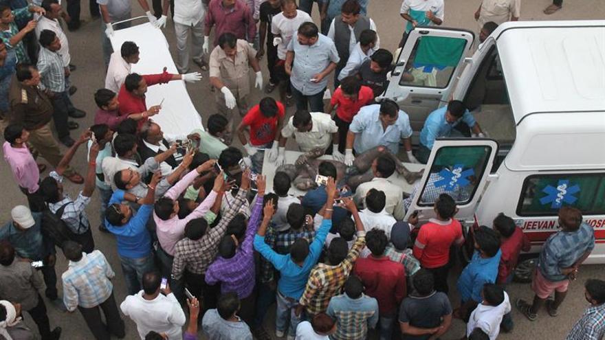 Se elevan a 18 los muertos y a 100 los heridos por explosión en planta india