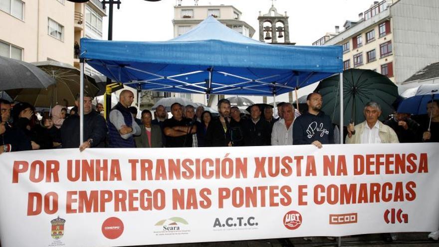Un millar de trabajadores de Endesa se concentran en Coruña para pedir tiempo