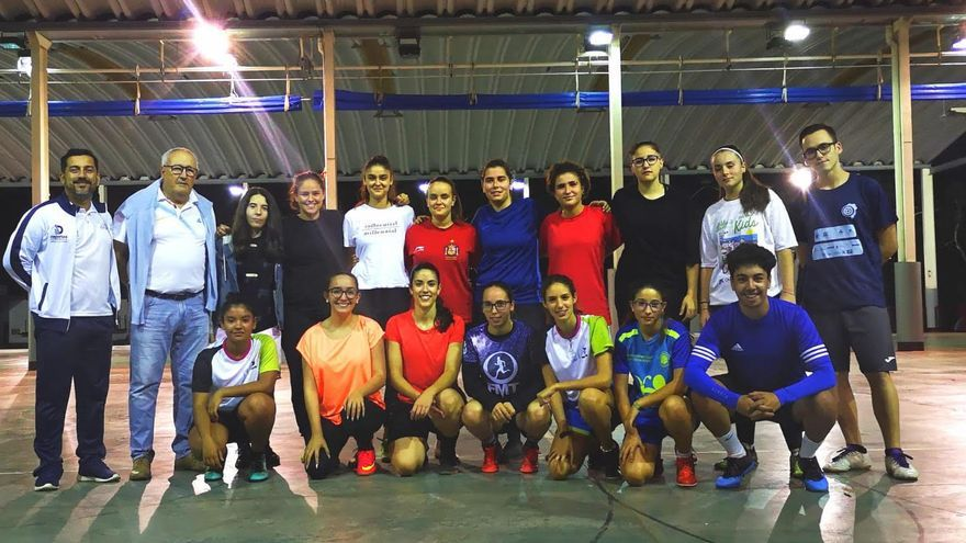Jugadoras de la liga federada de fútbol sale femenino de La Palma.