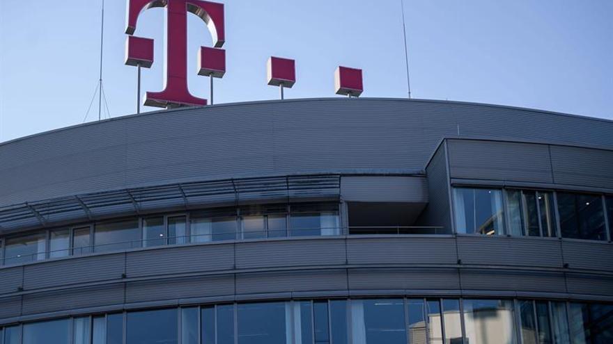 Daimler y Deutsche Telekom pagarán 3.200 millones de euros al Estado alemán