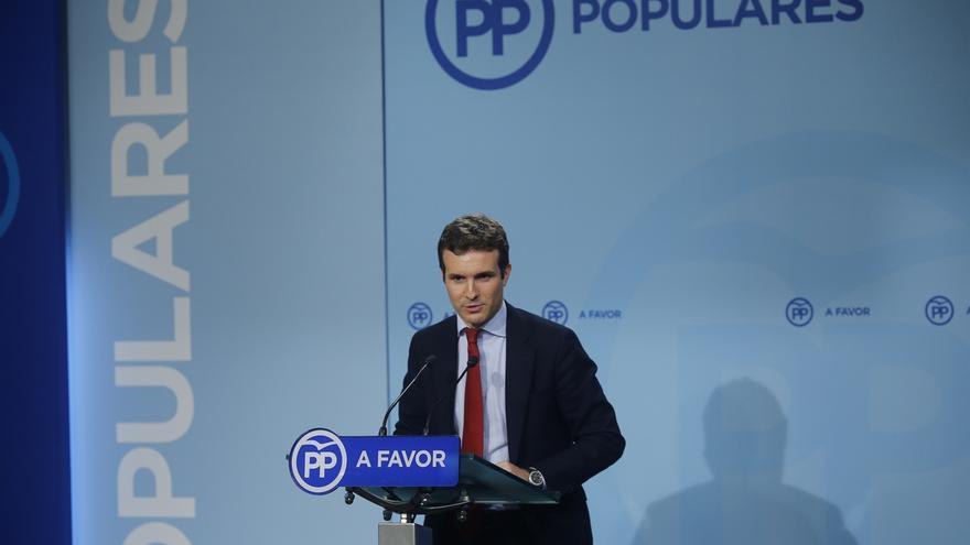 """Casado lamenta """"muchísimo"""" la renuncia de Aznar y dice que seguirá siendo un """"referente"""" para el PP"""