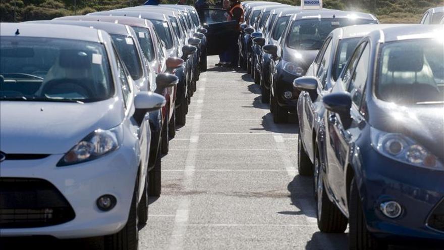 Las ventas de vehículos crecen el 5,2 en octubre, en el que Volkswagen pierde el liderato