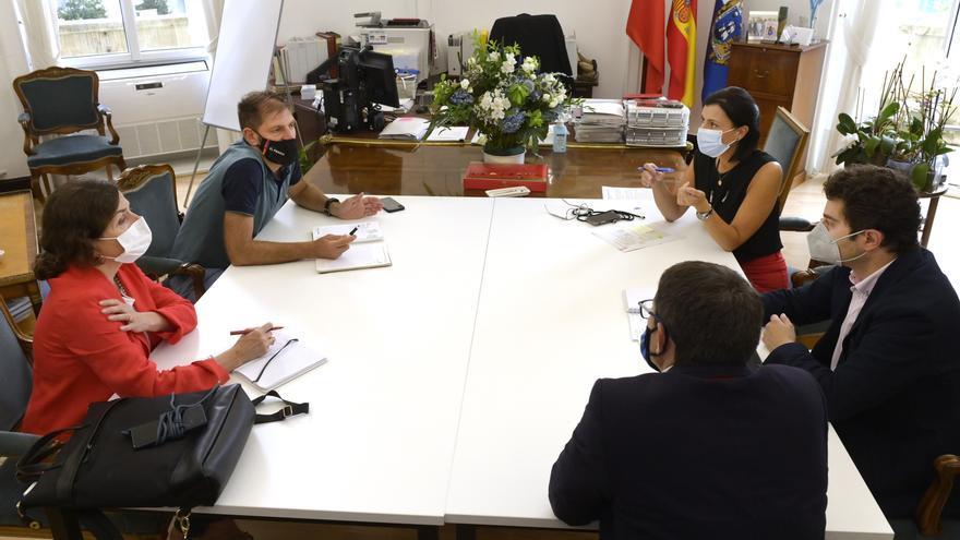Reunión del Ayuntamiento de Santander con CEOE