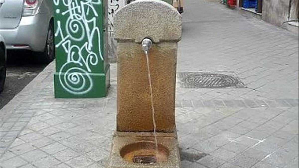 Fuente pública