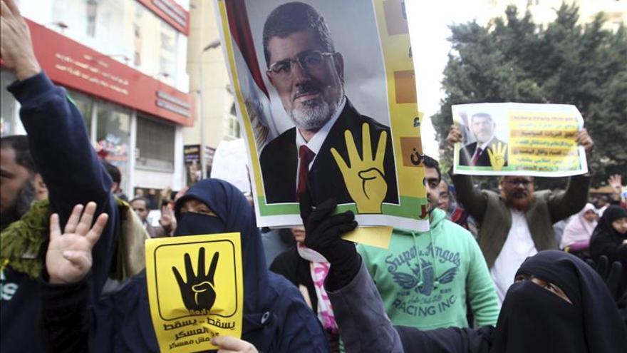 El equipo legal de Mursi pide al TPI una investigación sin demora al régimen militar