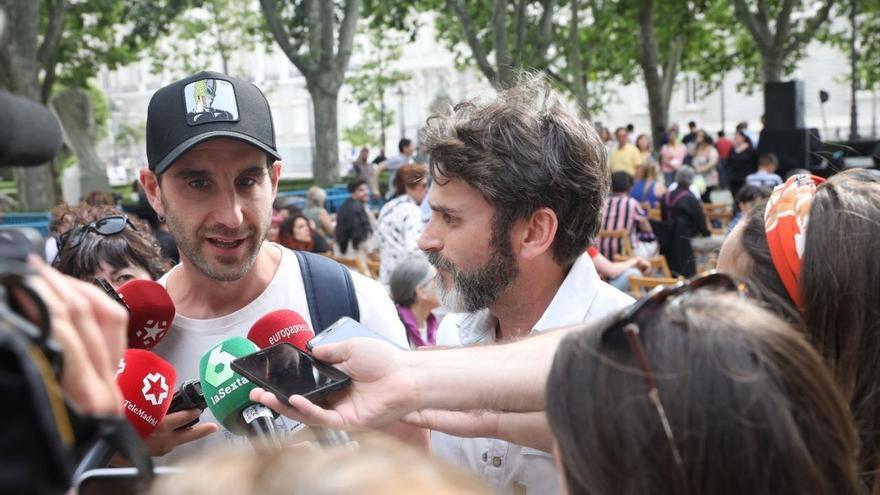 """Dani Rovira y Fernando Tejero apoyan a Más Madrid para que la gente """"no se divierta a costa de los animales"""""""