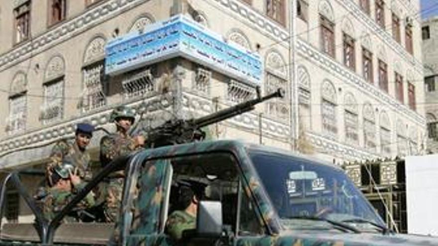 Yemen policia vehiculo patrulla recurso ejercito