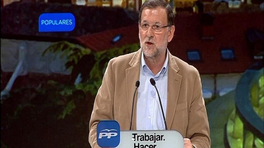 """Rajoy ve a Sánchez en una """"profunda desorientación"""" por rechazar pactos con el PP mientras pide su apoyo para Díaz"""
