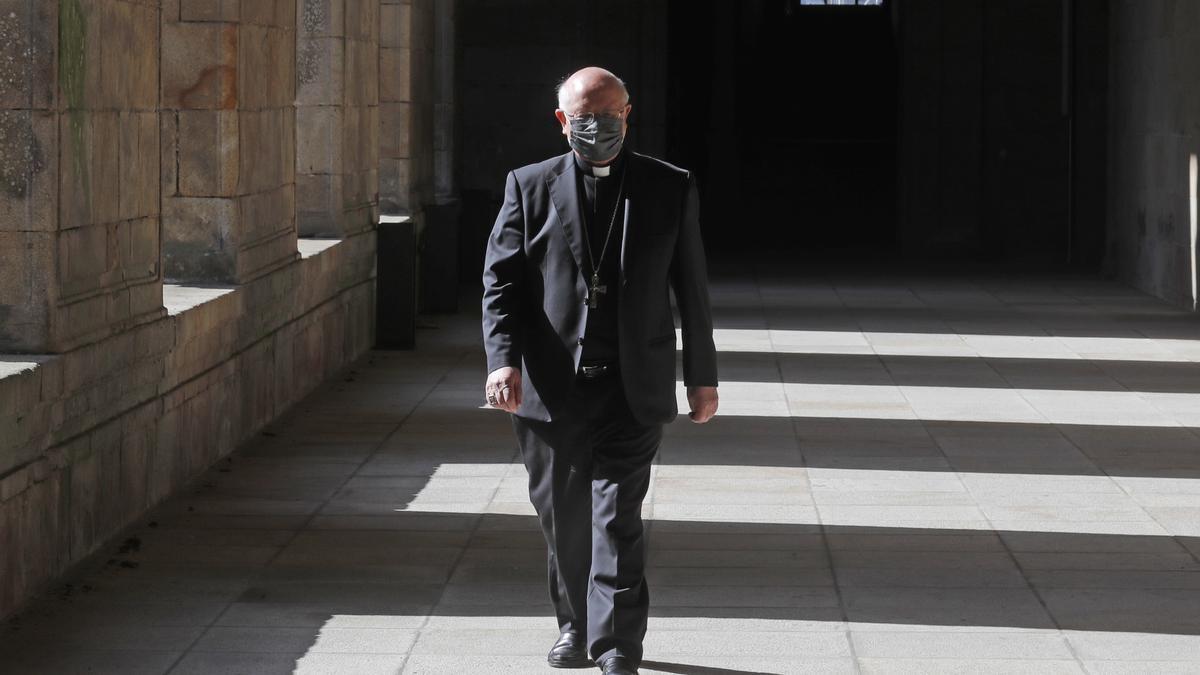 El arzobispo de Santiago de Compostela, Julián Barrio, en una imagen de archivo.