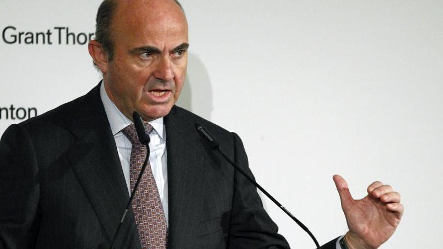 El PSOE pide la comparecencia de De Guindos y el FROB para hablar de Bankia