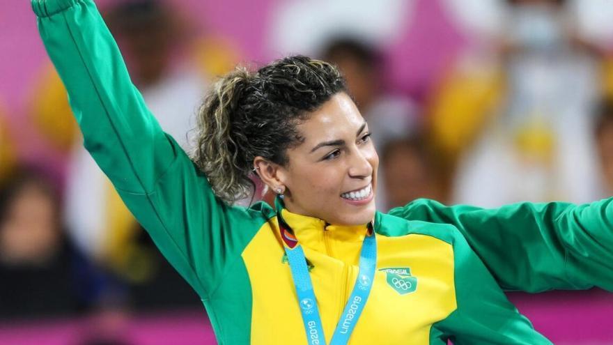 Jaqueline Anastacio con los colores de la selección de Brasil.