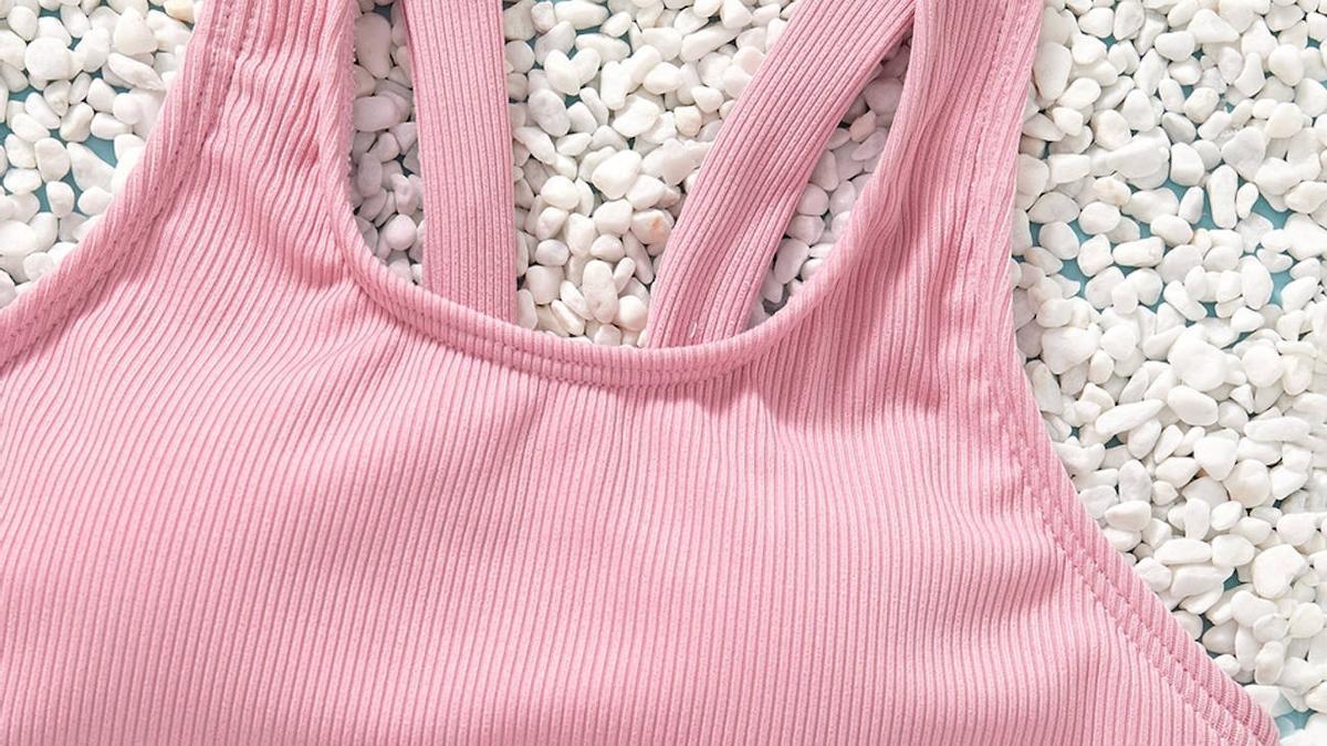 Ejemplo de uno de los bikinis de PatPat donde puede apreciarse el relleno