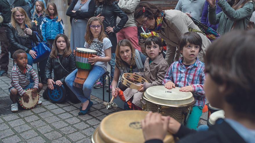 Actividades para niños en la Fiesta de la Primavera en la calle Del Sol.