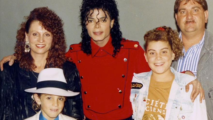 La familia Robson con Michael Jackson