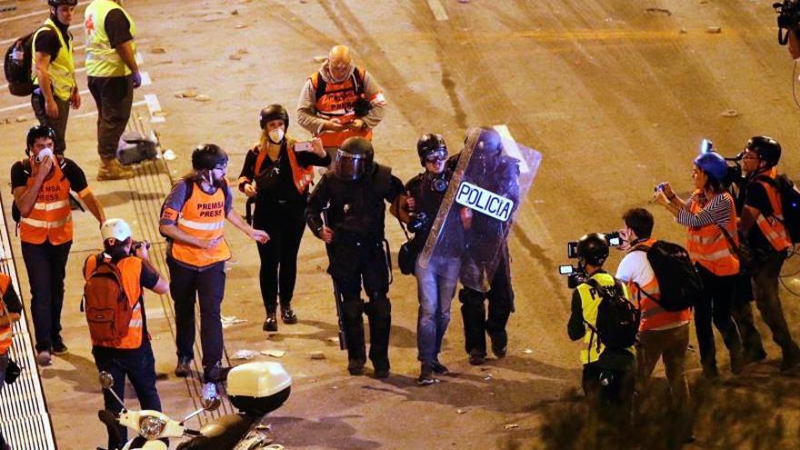 En libertad el fotoperiodista de El País detenido en altercados de Barcelona
