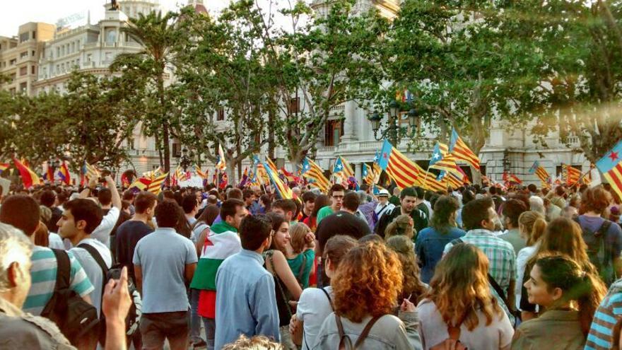 Manifestación en Valencia tras la abdicación del rey Juan Carlos I. \ Ana Tomás