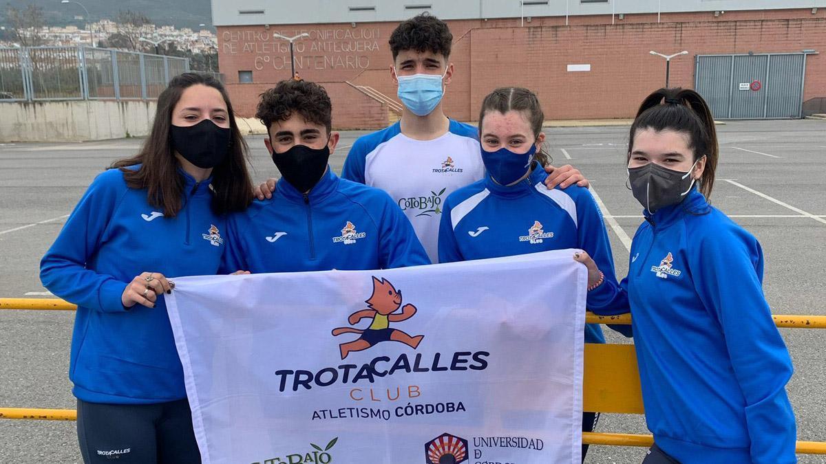 Atletas del Trotacalles durante el Andaluz Sub 18